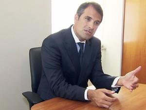 Advogado Eugênio Malavasi ficou surpreso com a prisão de Edinho (Foto: Reprodução/TV Tribuna)