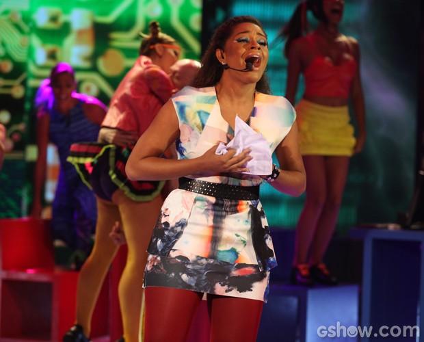 Juliana Alves solta a voz no Artista Completão (Foto: Pedro Curi / TV Globo)