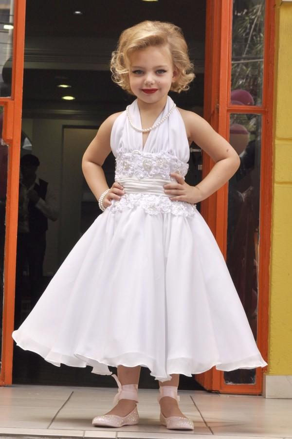 Filha de Xuxa e Sheila Mello ganha festa à la Marilyn Monroe