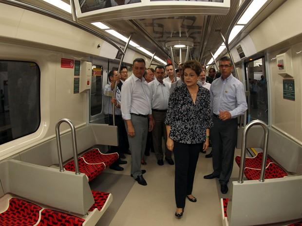 Dilma visita trens do metrô de Pirajá, em Salvador (Foto: Manu Dias/ GOVBA)