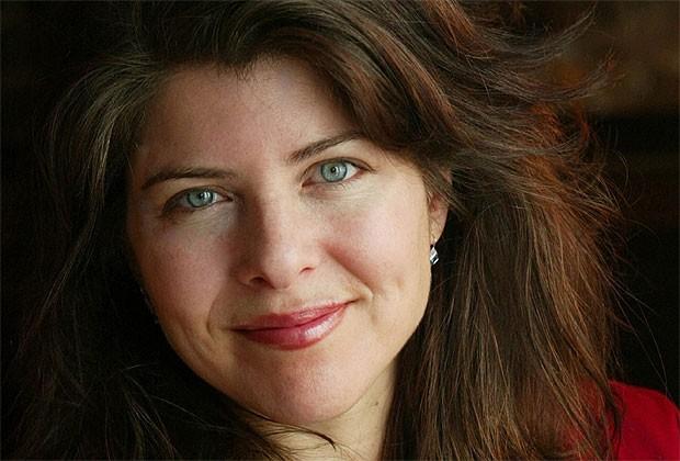 """A autora Naomi Wolf e seu polêmico """"Vagina - The New Biography"""" (Foto: Divulgação)"""