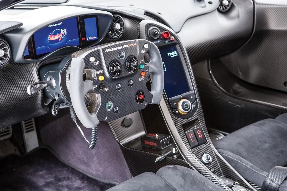 Interior do McLaren P1 GTR (Foto: Simon Clay/RM Sotheby's)
