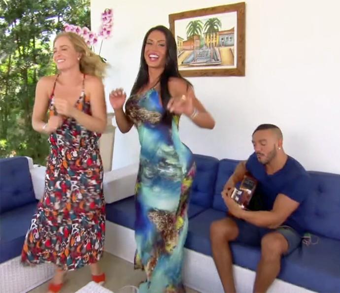 Ao som de Belo, Angélica e Gracy caíram no samba (Foto: TV Globo)
