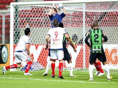 Luiz carlos Paraná x América-MG (Foto: Cristiane Mattos / Ag. Estado)