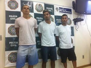 Polícia apresenta presos acusados de envolvimento em chacina (Foto: Bernardo Tabak/G1)