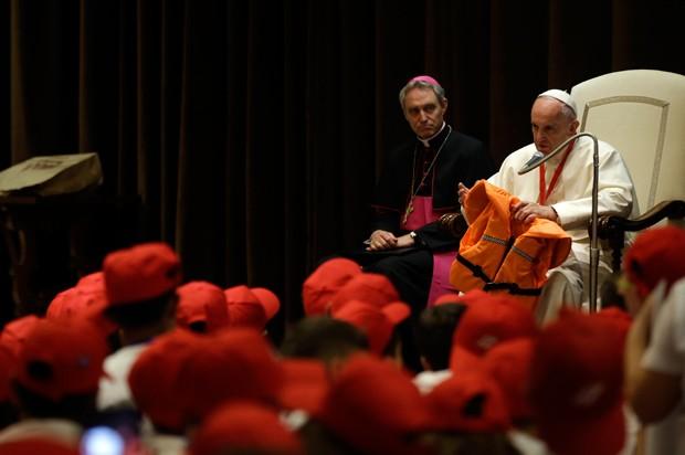 Papa encontrou no Vaticano 500 crianças italianas e imigrantes (Foto: Gregorio Borgia/AP)