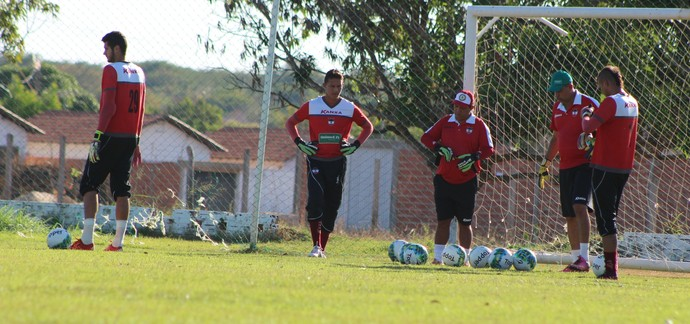 Robson treinado no CT Afrânio Nunes (Foto: Joana D'arc Cardoso)