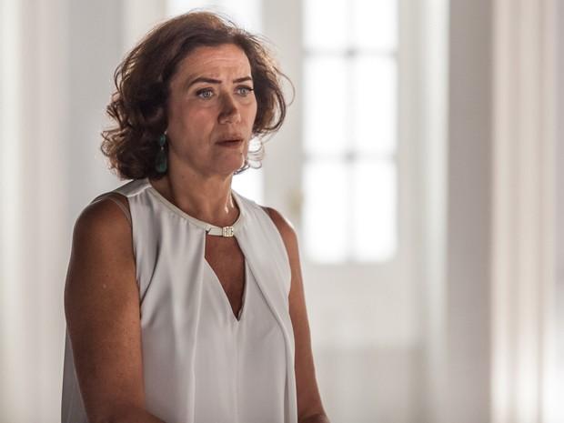 Marta fica sem reação com tantas revelações (Foto: Artur Meninea/ Gshow)