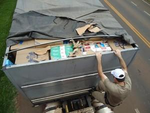 Durante revista, PMRv encontrou carga avaliada em R$ 300 mil (Foto: PMRv/Divulgação)