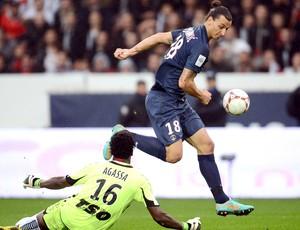 Ibrahimovic, PSG e Reims (Foto: Agência AFP)