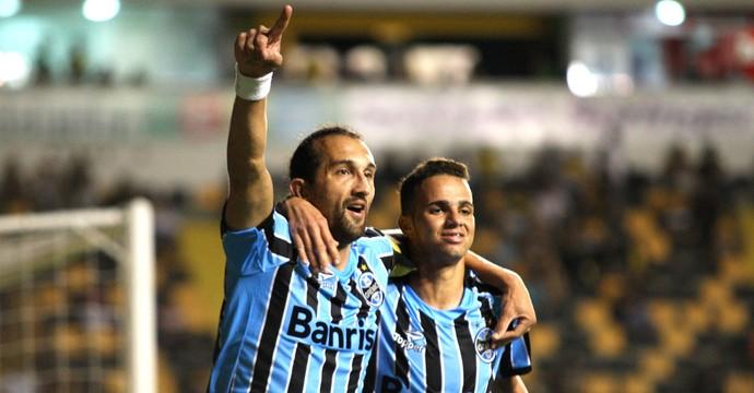 Barcos comemora gol do Grêmio contra o Criciúma (Foto: Getty Images)