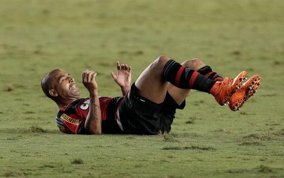 Emerson Sheik, atacante do Flamengo em 2015. Clube teve a maior dívida da primeira divisão no ano (Foto: Getty Images)