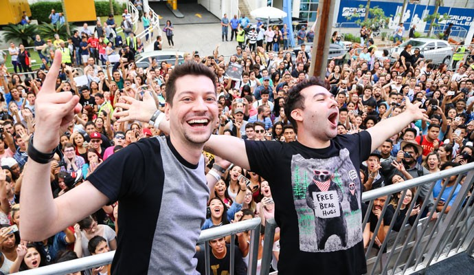 Integrantes do canal Galo Frito no YouTube FanFest Brasil