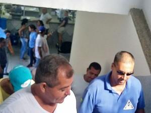 Servidores Municipais invadiram a Prefeitura (Foto: Regina Leite/Cedida)