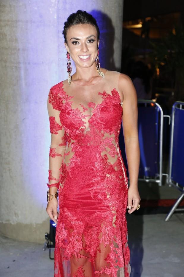 Nicole Bahls em pré-estreia no Rio (Foto: Alex Palarea e Felipe Assumpção / AgNews)