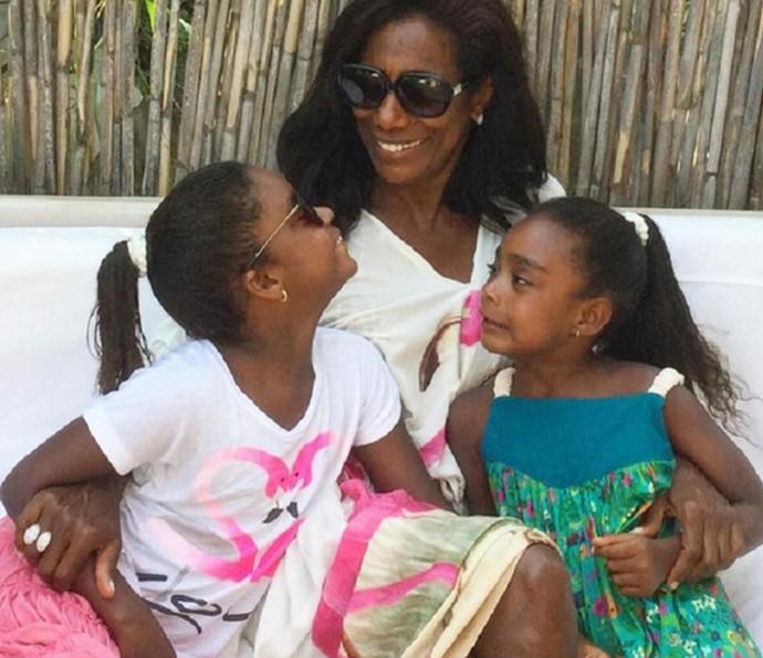 A jornalista e suas filhas (Foto: TV Globo)