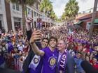 Dinheiro para time de Kaká vale 'sonho americano' para brasileiros