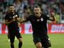 Eto'o faz dois golaços e dá a vitória  ao Antalyaspor; Podolski salva o Gala