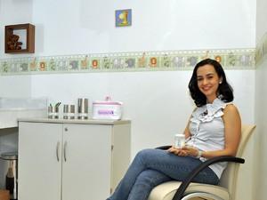 Maria Elisa na sala de apoio à amamentação na Bahia (Foto: Divulgação/Petrobras)