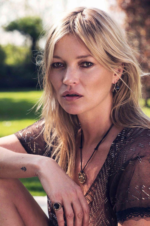 Kate Moss na campanha da sua coleção de joias (Foto: Divulgação)