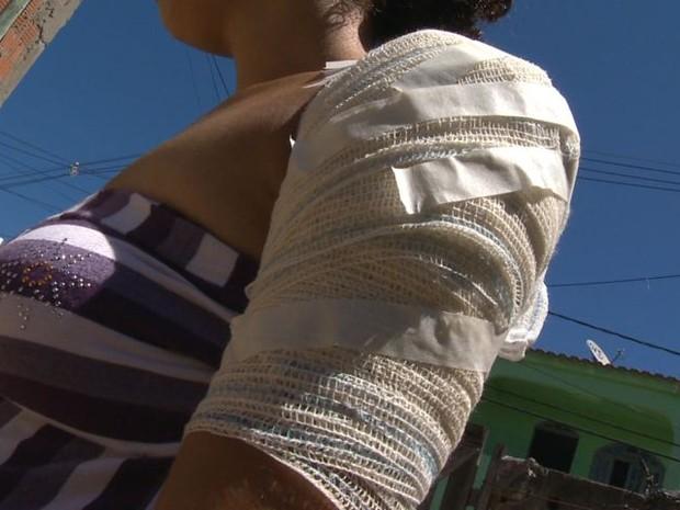 Vítima foi atingida no ombro, na Serra, Espírito Santo (Foto: Reprodução/ TV Gazeta)