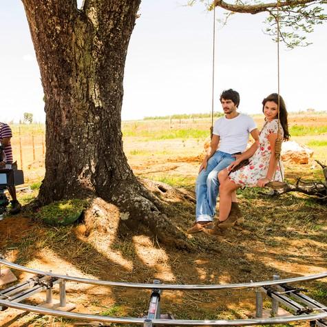 Guilherme Leicam e Bruna Marquezine gravam 'Em família' (Foto: João Miguel Junior)