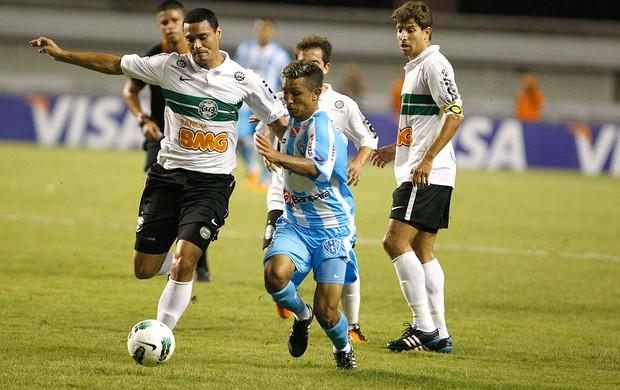 Emerson, Thiago Potiguar e Tcheco, Paysandu x Coritiba (Foto: Marcelo Sabra / Futura Press)