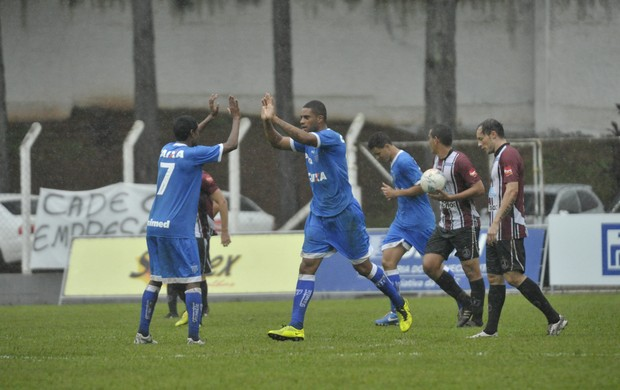 Avaí Juventus gol Reis (Foto: Leo Munhoz/ Agência RBS)