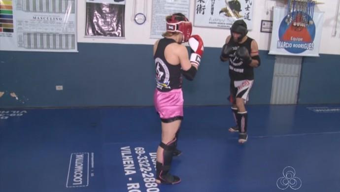 Atletas de Vilhena treinam para o Estadual de Muay Thai (Foto: Reprodução/ TV Rondônia)