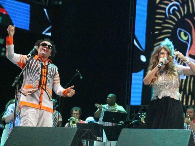 A paraibana Elba Ramalho foi uma das convidadas do show comandado pelo Maestro Forró (Foto: Marlon Costa/Pernambuco Press)