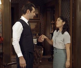 Araújo (Flávio Tolezani) e Olga (Maria Carol Rebello) | Reprodução