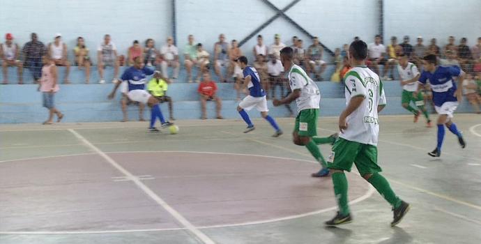 Quatis desbanca Resende e vence a primeira (Foto: Reprodução/TV Rio Sul)