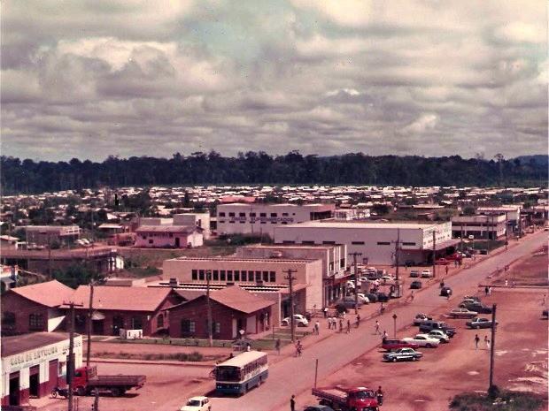 Avenida Tancredo Neves, em 1988 (Foto: Reprodução)