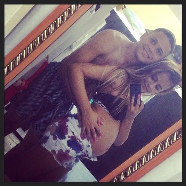 Renatinha Maravilha e o namorado Kleiton (Foto: Reprodução/Instagram)