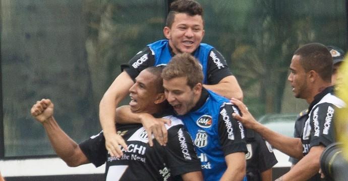gol Ponte Preta x Vasco (Foto: Antonio Scorza / Agencia O Globo)