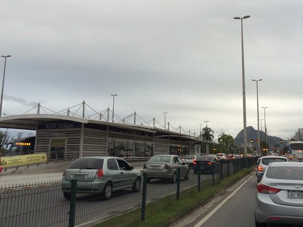 Centro de Operações da Prefeitura recomenda que público utilize o transporte público para chegar à Bienal do Livro (Foto: Fernanda Rouvenat/G1)