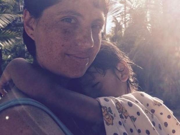 Luiza ficou sabendo de forma traumática que seu filho, Bento, era fissurado, recebendo pouca informações dos médicos (Foto: Arquivo pessoal)