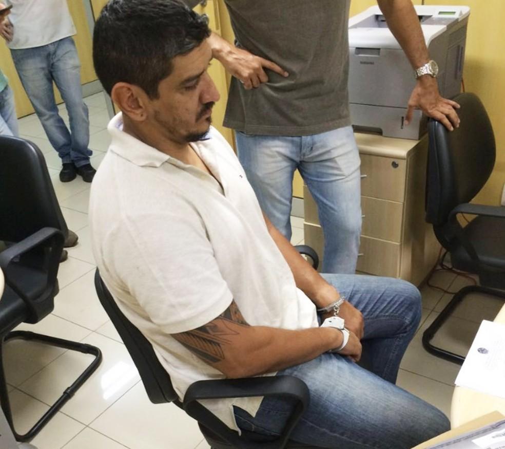 Tibério França, que está preso, foi denunciado pelo crime de homicídio duplamente qualificado (Foto: PF/Divulgação)