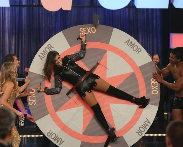 Anitta participa de game no Amor e Sexo (Foto: Carol Caminha/Gshow)