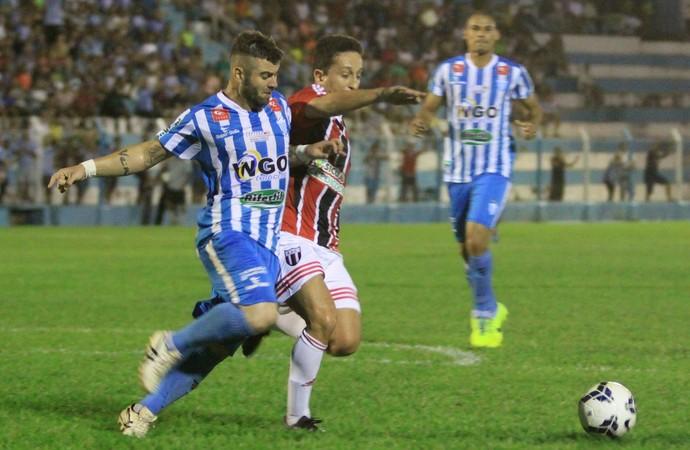 Guaru Álvaro, Botafogo-SP x Crac (Foto: Rogério Moroti / Agência Botafogo)