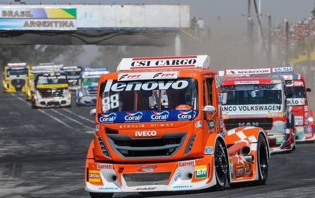Beto Monteiro lidera corrida da Fórmula Truck na Argentina (Foto: José Mário Dias / divulgação)