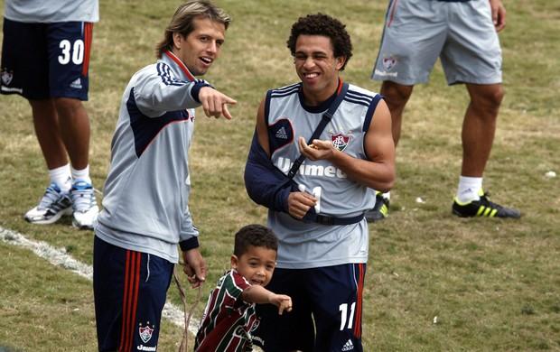Diguinho e Wellington Nem treino Fluminense (Foto: Marcos Trisão / Ag. O Globo)