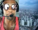 """De helicóptero, Felipe Melo chega a SP para assinar: """"Selva de pedra"""""""