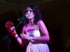 Lu Rabelo comanda noite de poesia e música autoral no Recife