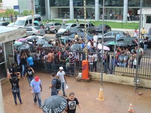 Entrada de servidores no Tribunal de Justiça do Piauí (Foto: Fernando Brito/G1)