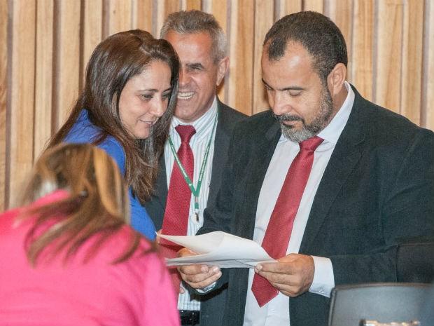 Deputados Dr. Michel (PP) e Liliane Roriz (PRTB) em sessão na Câmara Legislativa do DF (Foto: Carlos Gandra/CLDF/Reprodução)