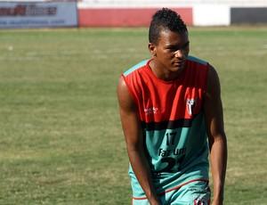 William, lateral-esquerdo Botafogo-SP (Foto: Cleber Akamine / globoesporte.com)