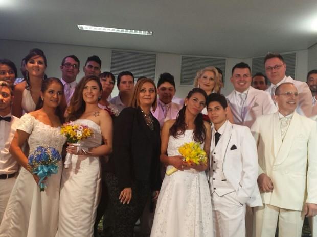 Casamento coletivo reuniu cerca de 40 casais homoafetivos em Florianópolis (Foto: Amigos em Ação/Divulgação)