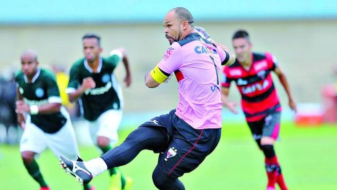 Márcio, goleiro do Atlético-GO em clássico contra o Goiás (Foto: Cristiano Borges/O Popular)