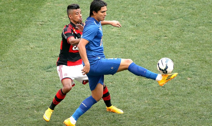 Léo Moura e Marcelo Moreno Flamengo x Cruzeiro (Foto: Getty Images)